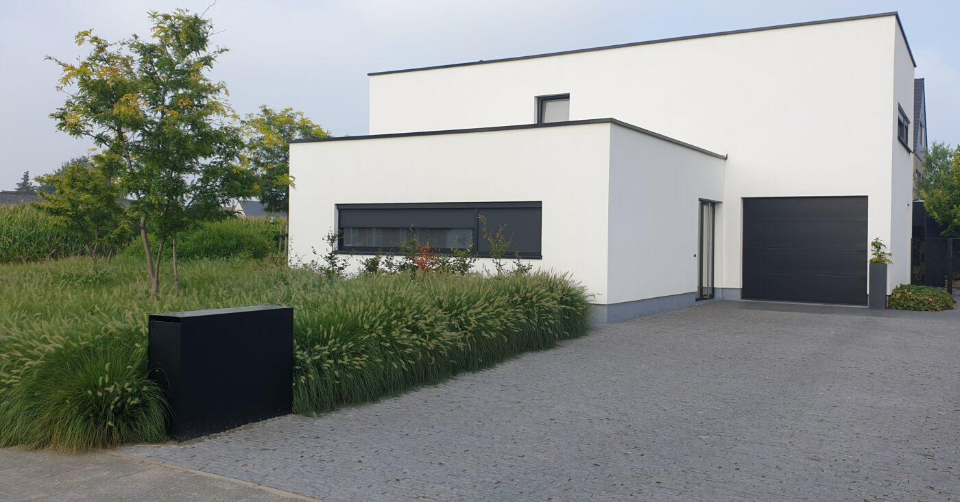 Bouwbedrijf Bouwadvies realisatie van hedendaagse kubus villa
